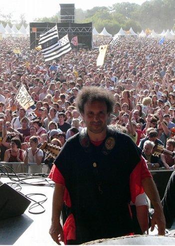 Enzo Avitabile Music Life: il protagonista del documentario musicale Enzo Avitabile prima di un concerto