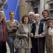 Gebo e l'ombra: il cast al completo sul set del film insieme al regista Manoel de Oliveira
