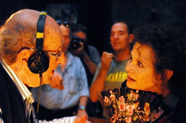 Gebo Et L Ombre Il Regista Manoel De Oliveira Sul Set Insieme A Claudia Cardinale 248903