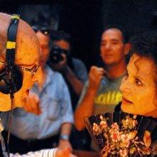 Gebo e l'ombra: il regista Manoel de Oliveira sul set insieme a Claudia Cardinale