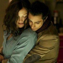 The Reluctant Fundamentalist: Riz Ahmed e Kate Hudson in una romantica scena