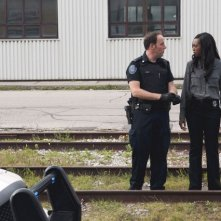 Rookie Blue: Matt Gordon e Enuka Okuma nell'episodio Girls' Night Out