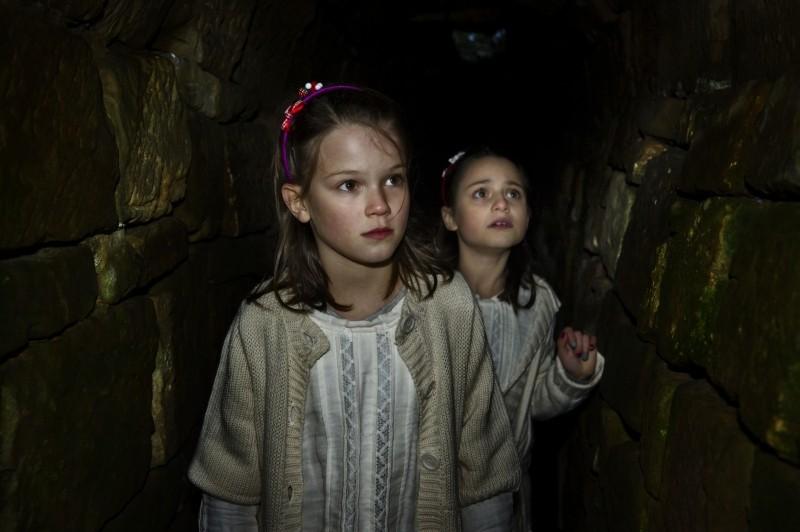Du Hast Es Versprochen Greta Oceana Dethlefs In Una Scena Del Film Con Alina Sophie Antoniadis 249075