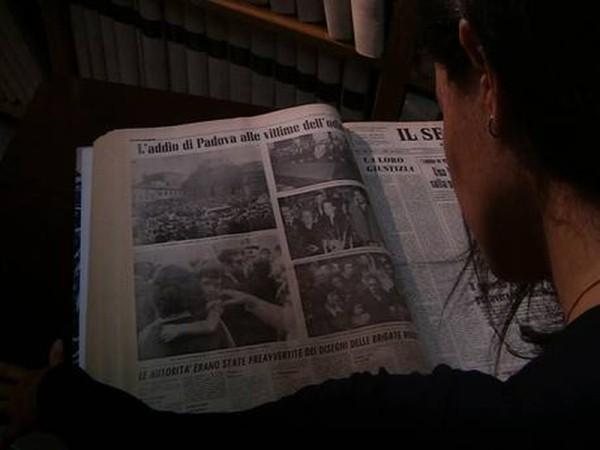 Sfiorando Il Muro Silvia Giralucci Co Regista Del Documentario Durante Le Ricerche Storiche 249056