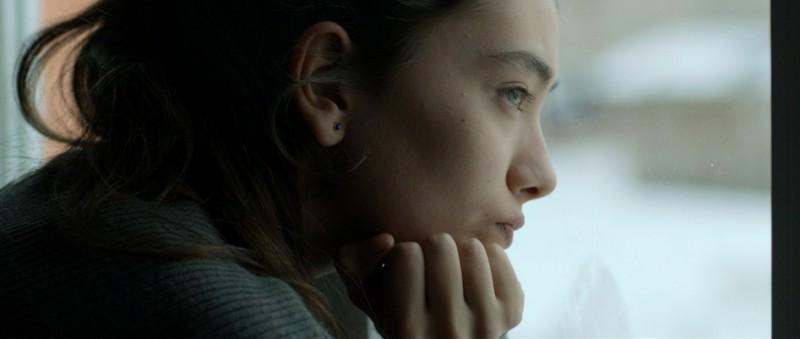 Araf Somewhere In Between La Giovane Neslihan Atagul In Una Scena Del Film 249249