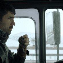 Araf - Somewhere in Between: Özcan Deniz in una scena del film