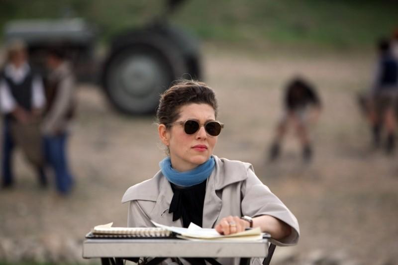 Carmel Keren Mor E Efratia Gitai Madre Del Regista Amos Gitai Nel Film A Lei Dedicato 249230