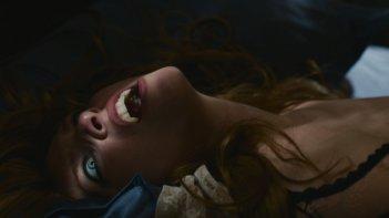 Kiss of the damned: Josephine de La Baume nella prima immagine del film diretto da Xan Cassavetes