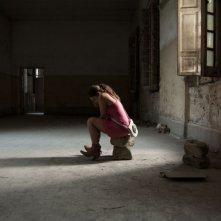 L'intervallo: Francesca Riso in una scena nei panni di una ragazza sequestrata da un clan della malavita