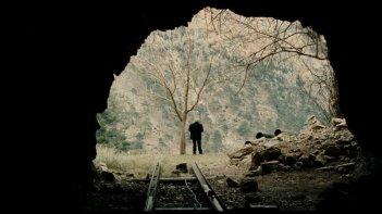 Mold: una suggestiva scena del film