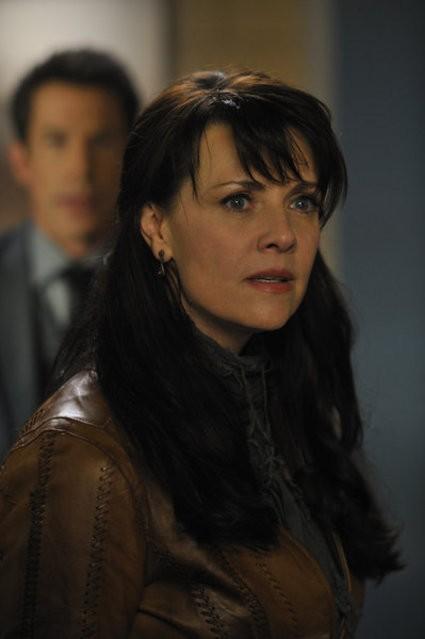 Sanctuary Amanda Tapping Nell Episodio Resistance 249112