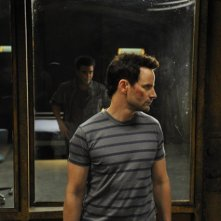 Sanctuary: Robin Dunne in una scena dell'episodio Fugue