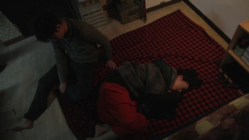 Pieta Jo Min Su Sul Pavimento Con Lee Jung Jin In Un Momento Del Film 249351