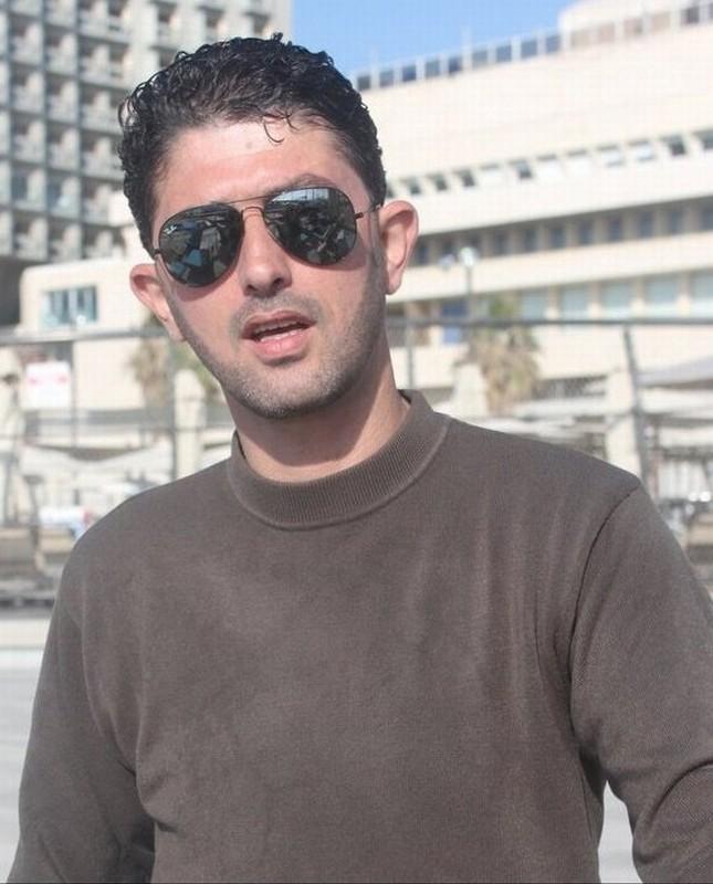 Water Ahmad Bargouthi Uno Dei Registi Palestinesi Del Film Collettivo In Un Immagine Promozionale 249368