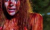 Carrie: Julianne Moore e Chloe Moretz nelle prime immagini del film