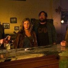 Revolution: J.D. Pardo, Tracy Spiridakos, Zak Orth ed Anna Lise Phillips in una scena del pilot della serie