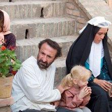 The paternal house: Nazanin Farahani in una scena del film con Mehran Rajabi