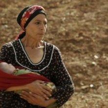 Yema: la regista e interprete del film Djamila Sahraoui in una scena