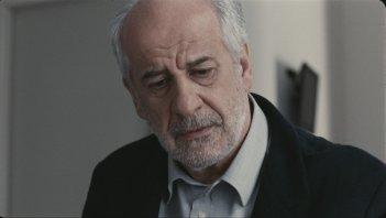 Bella addormentata: Toni Servillo in un sofferto primo piano tratto dal film