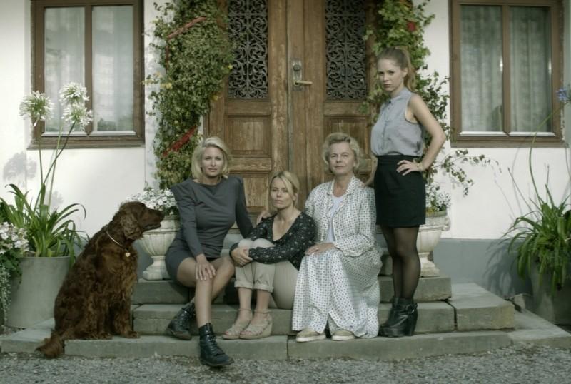 Blondie Carolina Gynning E Marie Goranzon In Una Foto Promozionale Del Film Con Helena Af Sandeberg  249747