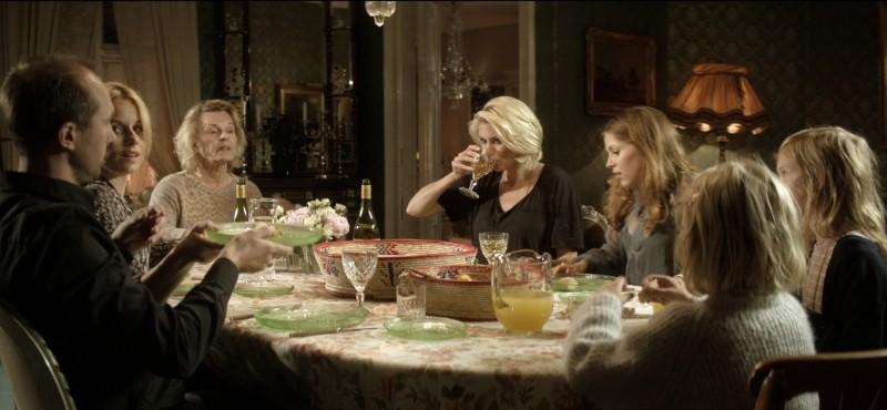 Blondie Carolina Gynning E Marie Goranzon In Una Scena Familiare Del Film 249744