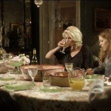 Blondie: Carolina Gynning e Marie Göranzon in una scena familiare del film