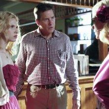 Hart of Dixie: Tim Matheson, Jaime King e Claudia Lee in una scena dell'episodio The Undead & The Unsaid