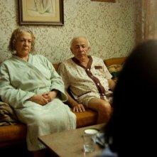 Hayuta ve berl - Epilogue: Yosef Carmon e Rivka Gur in una scena