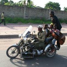 Kinshasa Kids: una bizzarra scena del film
