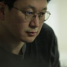 The weight: il regista del film Jeon Kyu-hwan sul set