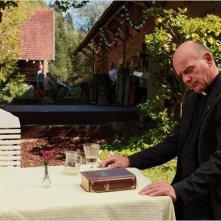 Die Kirche bleibt im Dorf : Ulrich Gebauer in una scena