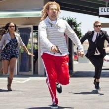 Hit & Run: Joy Bryant, Bradley Cooper e Ryan Hansen in fuga