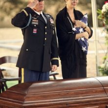 Army Wives: Catherine Bell e Terry Serpico nell'episodio Tutta la nazione grata