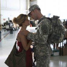 Army Wives: Drew Fuller e Sally Pressman nell'episodio Forte come l'esercito