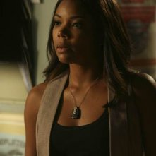 Army Wives: Gabrielle Union nell'episodio Omicidio a Charleston