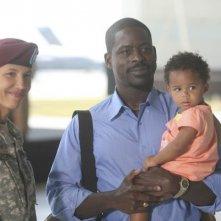 Army Wives: Wendy Davis e Sterling K. Brown nell'episodio Forte come l'esercito