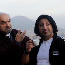 All'ultima spiaggia: Ivano Marescotti insieme a Carmine Faraco in una scena