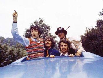 Magical Mistery Tour: un'immagine dal documentario sul mitico tour dei Beatles