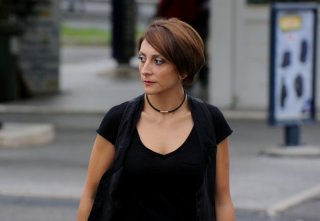 Paola Minaccioni in una scena di All'ultima spiaggia