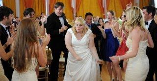 The Wedding Party: Rebel Wilson nei panni di Becky balla senza freni durante la festa del suo matrimonio