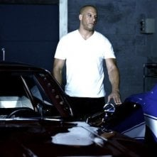 Vin Diesel tra le auto sul set di The Fast and the Furious 6