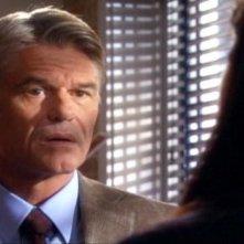 Harry Hamlin in una scena dell'episodio Braccia che sorreggono della quinta stagione di Army Wives - Conflitti del cuore
