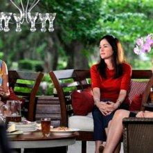 Kim Delaney e Catherine Bell nell'episodio Addio alle armi della quinta stagione di Army Wives - Conflitti del cuore