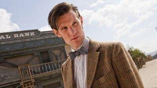 Matt Smith in un'immagine promozionale dell'episodio A Town Called Mercy della settima stagione di Doctor Who