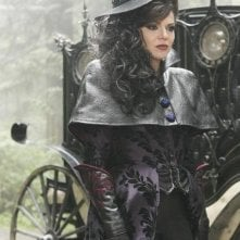 Once Upon a Time: Lana Parrilla in un momento dell'episodio True North