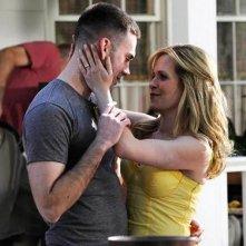 Sally Pressman e Drew Fuller in una scena dell'episodio Zona di lancio della quinta stagione di Army Wives - Conflitti del cuore