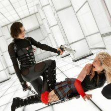 Milla Jovovich in una sequenza di Resident Evil: Retribution
