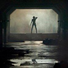 Milla Jovovich sullo sfondo di una scena Resident Evil: Retribution