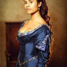 Angel Coulby in una immagine promozionale della quinta stagione di Merlin