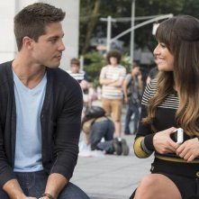 Dean Geyer e Lea Michele in una scena dell'episodio The New Rachel della quarta stagione di Glee